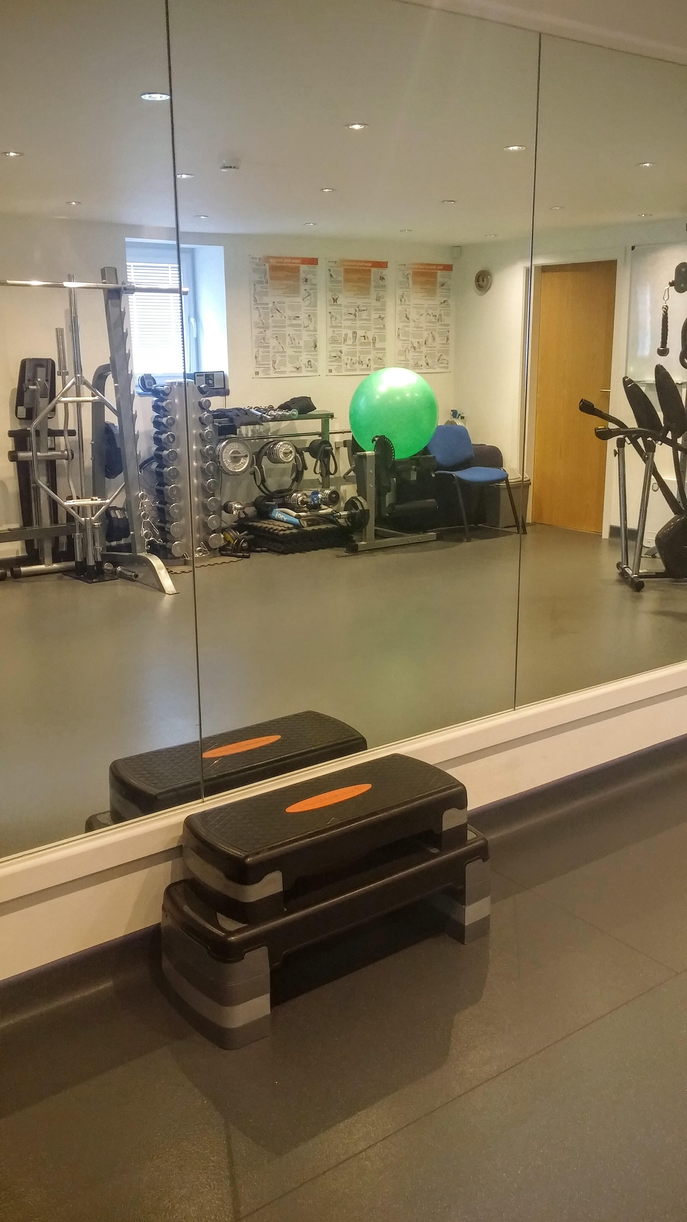 Consultant health professional room rental g